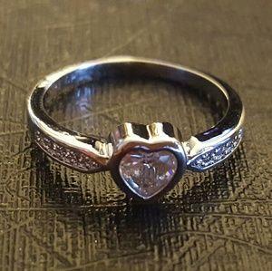 Bezel Heart Ring Size 8 ( US )